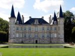 ChateauLachesaye_Medoc_Alamy_RM-240x180_tcm43-33997