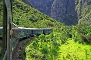 Train-ride-to-Machu-Pichu