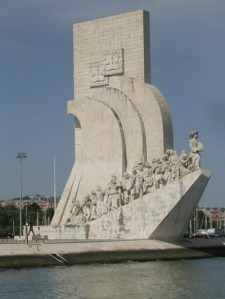 cruise-trip-tagus-river-lisbon-cacilheiro-monument2 - Copy
