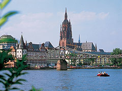 FrankfurtBridgeMainRiver2_240x180_tcm46-32916