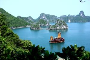 Asia_Cruise_Junk_in_Halong_bay - Copy - Copy - Copy