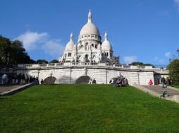 Le-sacre-Coeur-sur-sa-butte-Paris0318