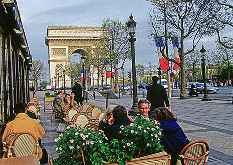 arcdetriomphestreetcafe_cvo_12687_480x340-copy