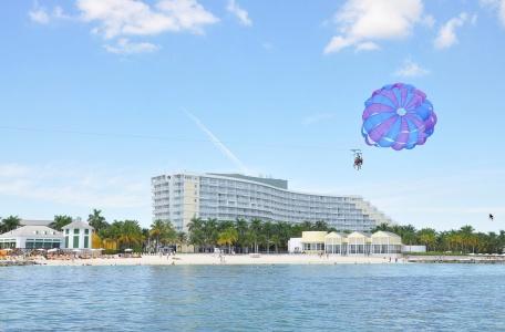 ocean-motion-parasail