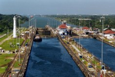 Panama_Canal_Gatun_Locks - Copy (3) - Copy