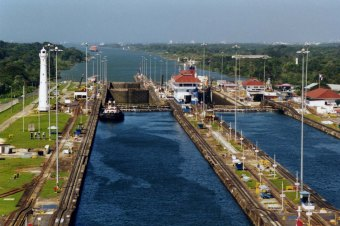 Panama_Canal_Gatun_Locks - Copy (3) - Copy