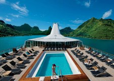 paul_gauguin_pool_deck