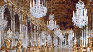 Palace of Versailles - Galerie des Glaces(Fr:Galerie des Glaces) (no model or property release) Ref: RF021_Ver041 Compulsory Credit: Authors Images/Photoshot