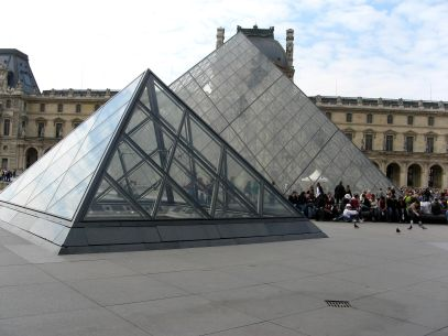 louvre-pyramid-paris-architecture