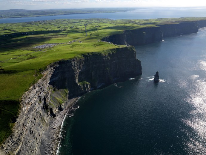 The-Cliffs-of-Moher-and-the-Stack