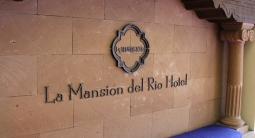 omni-la-mansion-del-rio-sign