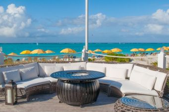 Asu-Pizza-Alexandra-Resort-Turks-and-Caicos1486736782 - Copy