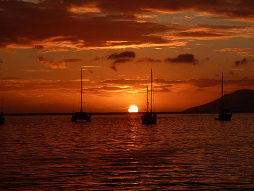 tahitian-sunset-boats - Copy