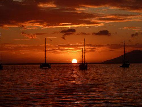 tahitian-sunset-boats - Copy